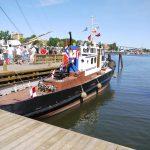 Slepebåten FIX – pyntet til fest under Barnas Isegran 2016