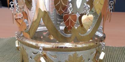 Brudekrone i forgylt sølv.