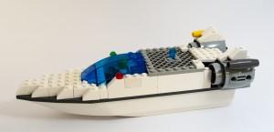 Speedbåt laget av Petter Hareide og Yngve Holsvik Ingebriktsen