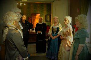 Vita Vocales underholdt på 1700-talls vis. Foto Gaute Jacobsen