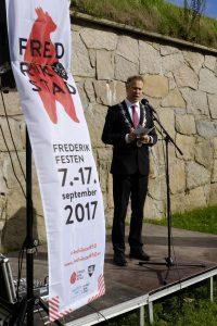 Ordfører Jon-Ivar Nygård holder tale for markeringen av byens 450-årsdag. Foto Gaute Jacobsen