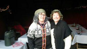 Grøt-damene i vognskjulet. Foto Lillian Bekhus.