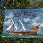 Opprinnelig het kafèen på Isegran «Kafè Galeien», her er det første kafèskiltet nymalt og fint. Foto Fredrikstad Museum.