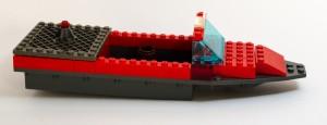 Krigsbåten «Den grå krabben» laget av Jon