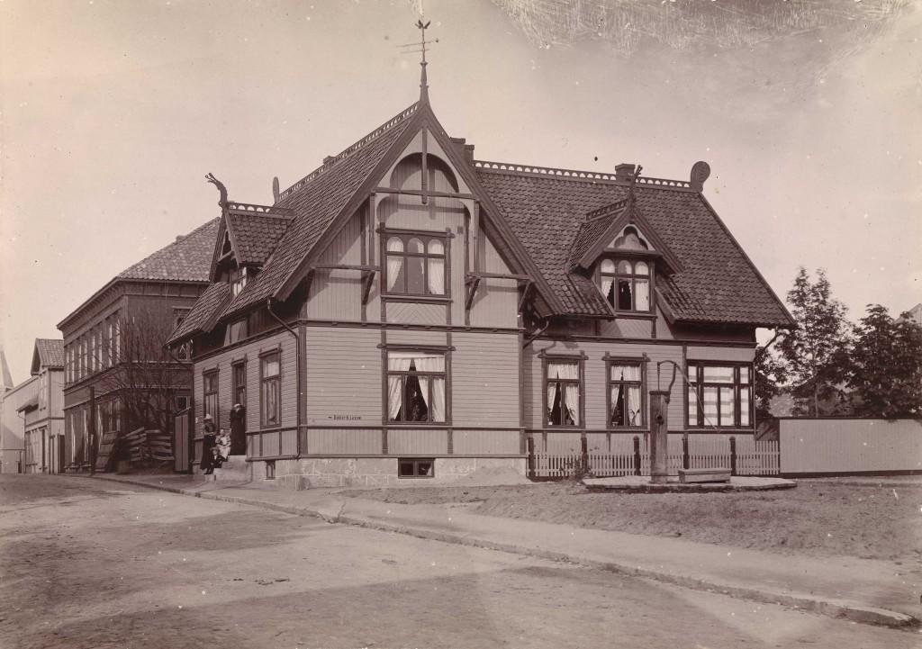 Doktor Lexows hus i Sarpsborg. Fotograf ukjent / Oslo Museum. OB.F16115bi