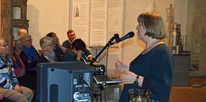 Foredragsholder Tone Rasch fra Norsk Teknisk Museum engasjerte publikum. Foto: Trine Gjøsund / Moss by- og industrimuseum.