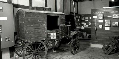 Sykevogn avbidet i utstillingen.