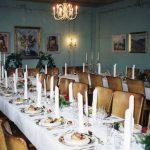 Elingaard, dekket bord spisesalen. Foto Tove Thøgersen